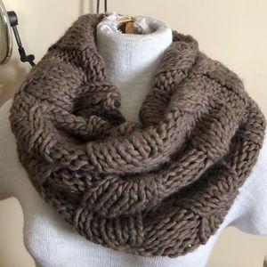 Aerie chunky knit infinity scarf
